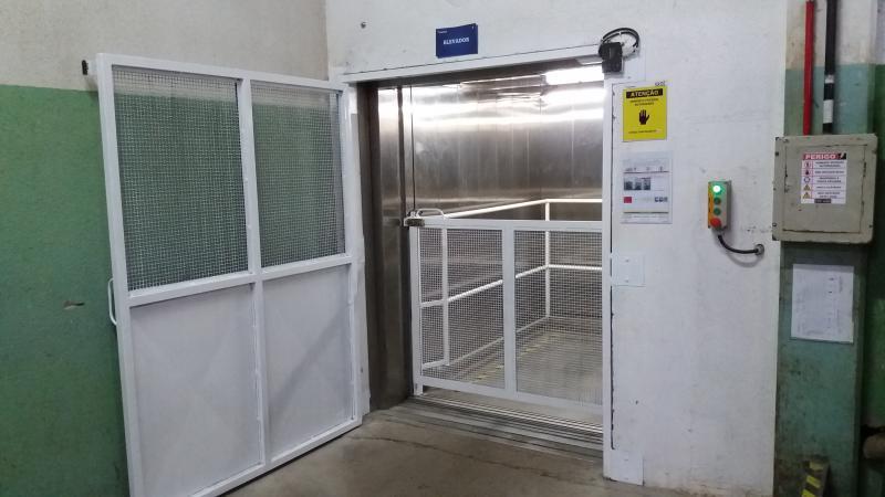 Comprar elevador monta carga