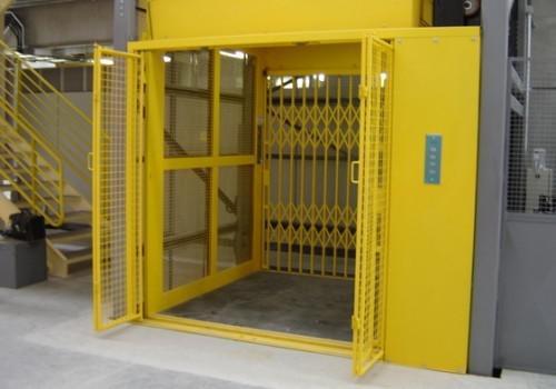 Manutenção elevador de carga